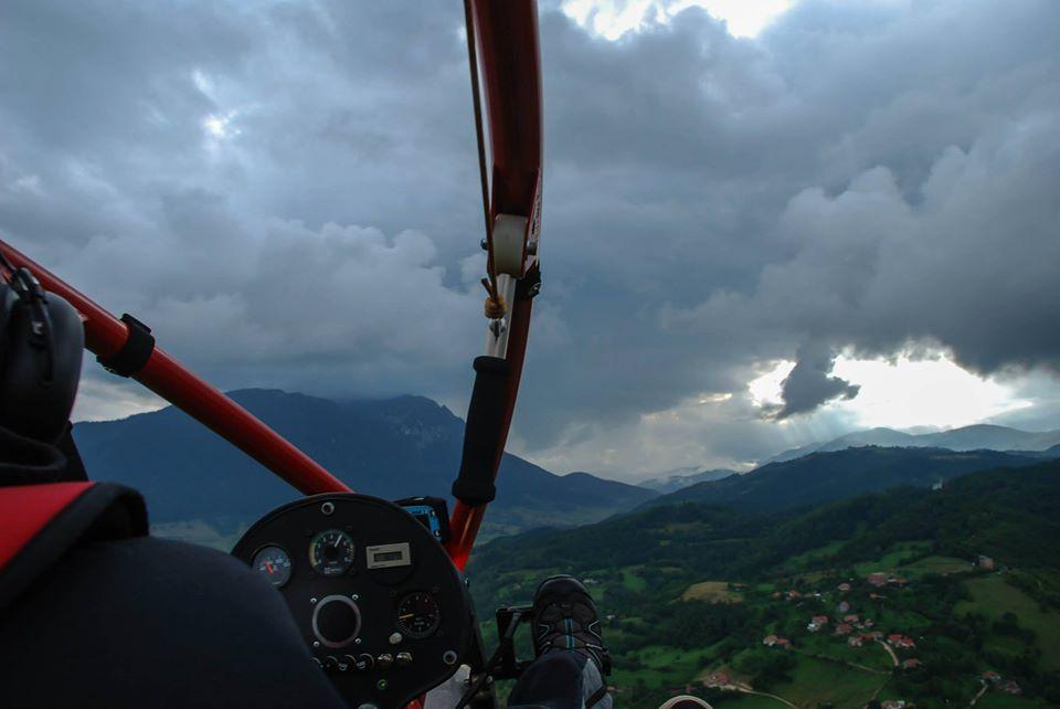 Tur Aerian cu Paramotorul Piatra Craiului