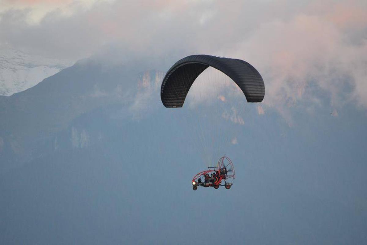Gusta 15 minute de zbor motorizat
